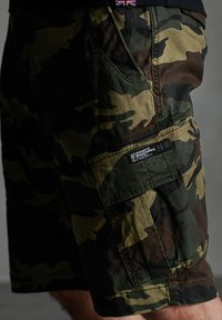 Superdry - CORE CARGO SHORTS - Shorts - army camo - 3