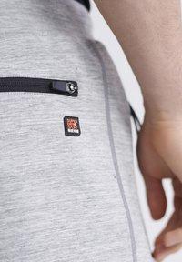 Superdry - SUPERDRY GYMTECH SHORTS - Sports shorts - light grey marl - 3