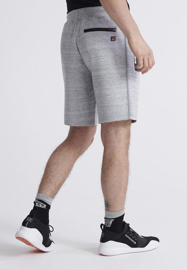 SUPERDRY GYMTECH SHORTS - Short de sport - light grey marl
