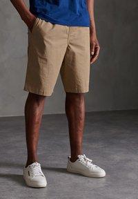 Superdry - Shorts - grain khaki - 0