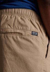 Superdry - Shorts - grain khaki - 3