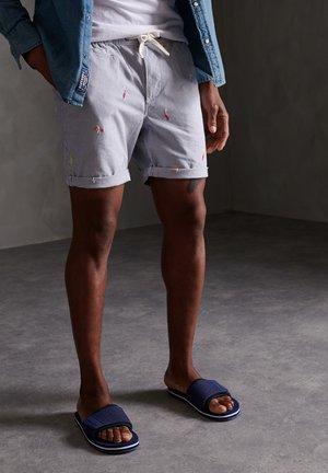 Shorts - navy aoe