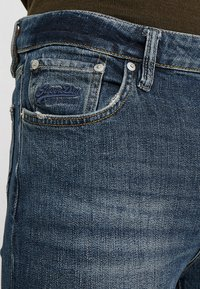 Superdry - TRAVIS - Jeans Skinny Fit - trinity dark used - 3