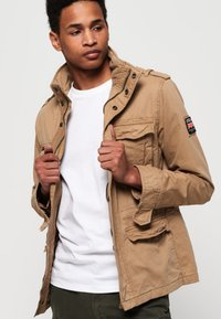 Superdry - CLASSIC ROOKIE MILITARY JACKET - Summer jacket - beige - 0