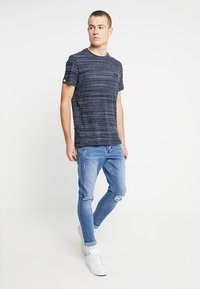 Superdry - ORANGE LABEL VINTAGE TEE - T-shirts med print - navy - 1