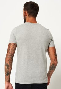Superdry - OSAKA 6 HYPER  - T-Shirt print - grey grit - 2