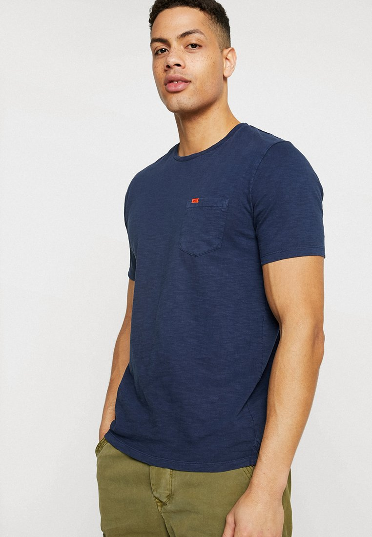 Superdry - ORIGINALS POCKET TEE - T-Shirt basic - beach buoy navy