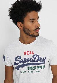 Superdry - VINTAGE LOGO TRI TEE - Print T-shirt - ice marl - 4
