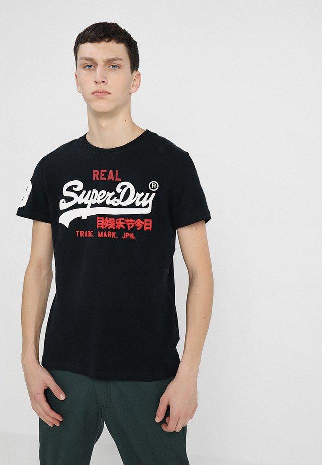 VINTAGE LOGO TRI TEE - T-shirt print - eclipse navy
