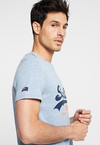 Superdry - VINTAGE LOGO TRI TEE - Print T-shirt - bliss blue - 3