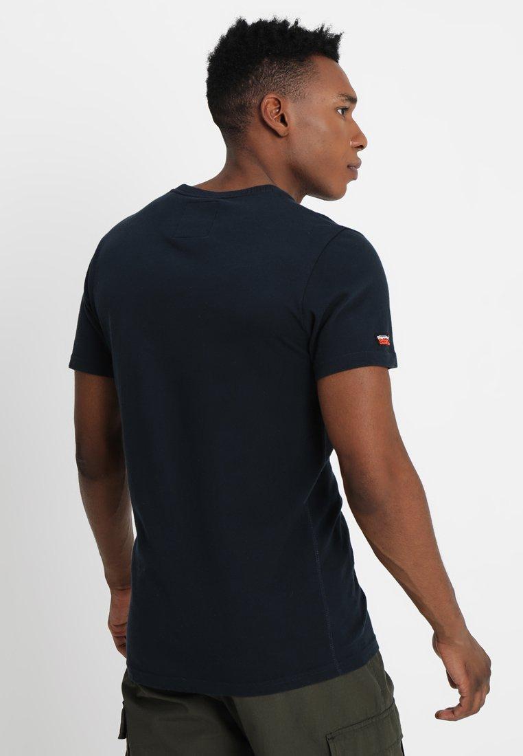 Eclipse Premium Con Superdry Goods TeeT Stampa Infill shirt Navy pzSVMU