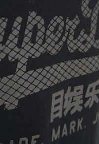 Superdry - VINTAGE LOGO TEE - T-shirt print - black - 5
