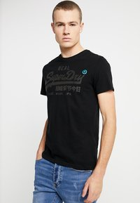 Superdry - VINTAGE LOGO TEE - T-shirt print - black - 0