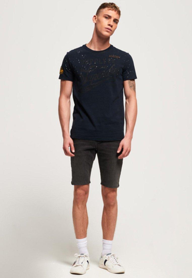 Superdry MITTELSCHWERES TOUR - T-shirt imprimé - london grey