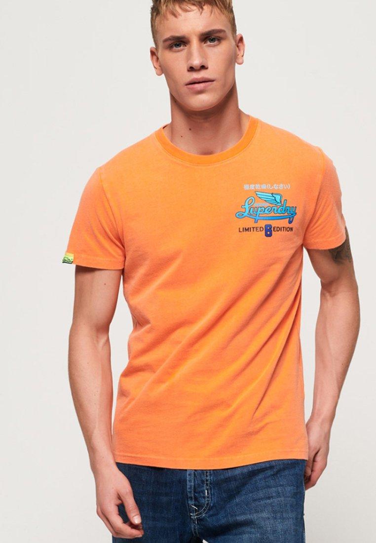 Superdry - T-Shirt print - orange
