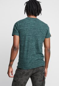 Superdry - LABEL VINTAGE EMBROIDERY TEE - T-shirts - sea green space dye - 2