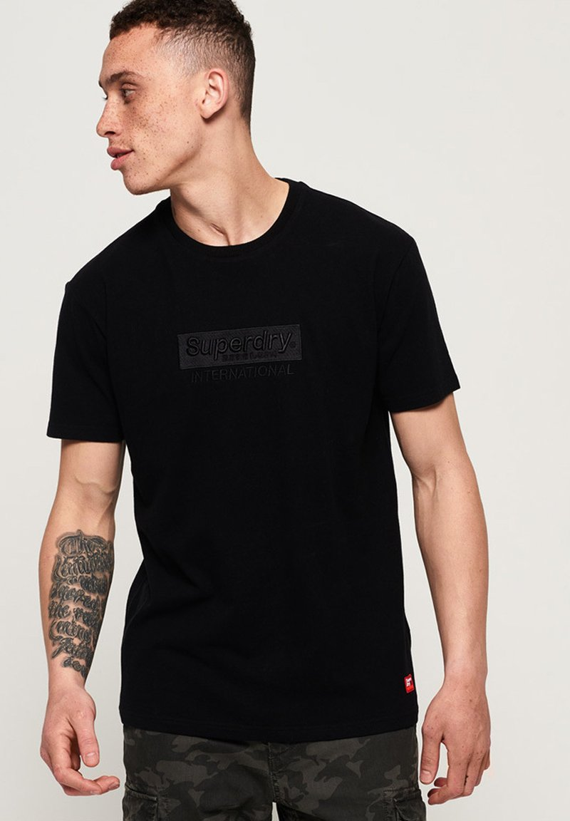International Youth Box Fit    T Shirt Print by Superdry