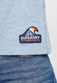 Superdry - SURF TEE - T-shirt z nadrukiem - bliss blue - 5