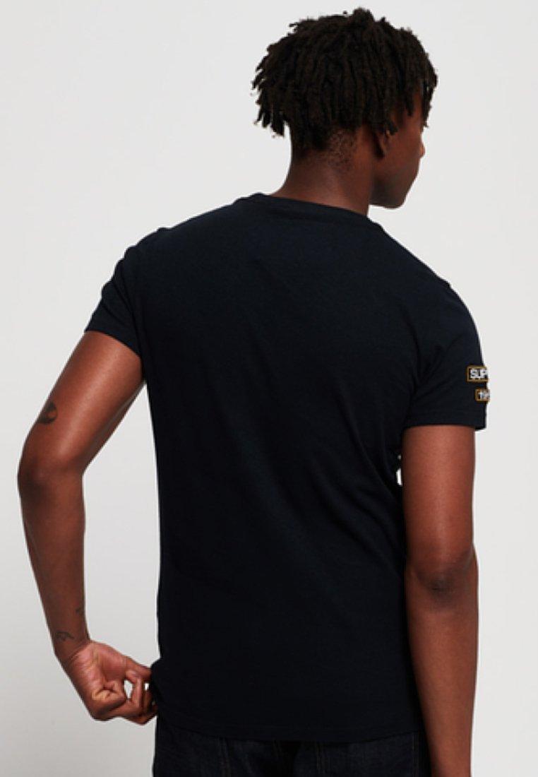 Superdry Navy Imprimé AufnähernT Mit shirt 1cKJTFul3