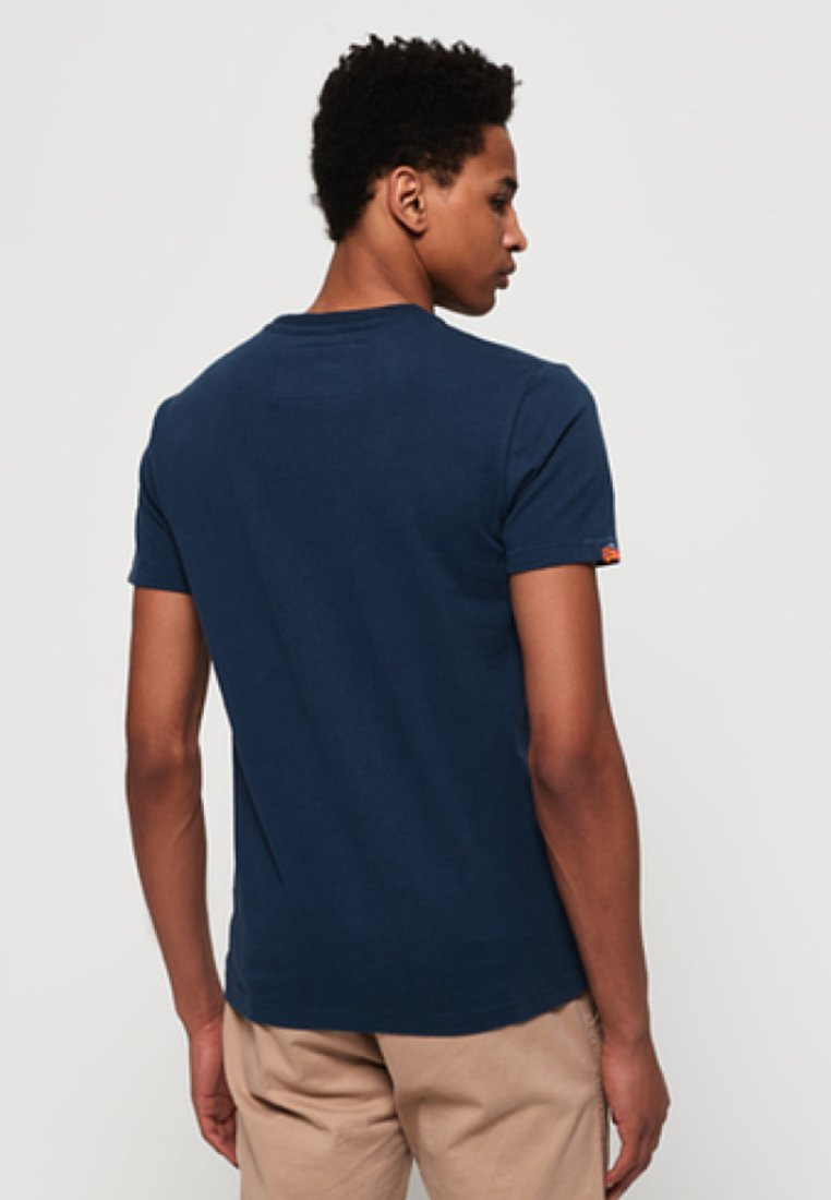 Superdry Super Navy Blue shirt Imprimé SevenT mwvN8nO0