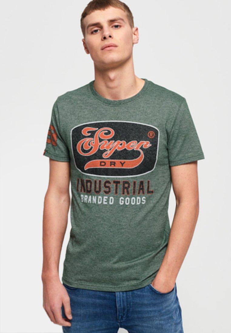 shirt Superdry ImpriméGreen Superdry Superdry ImpriméGreen T T shirt shirt T shirt Superdry T ImpriméGreen Nwm8v0n