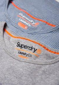 Superdry - Print T-shirt - lounge blue feeder/lounge grey marl - 4