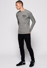 Superdry - Langarmshirt - grey - 1