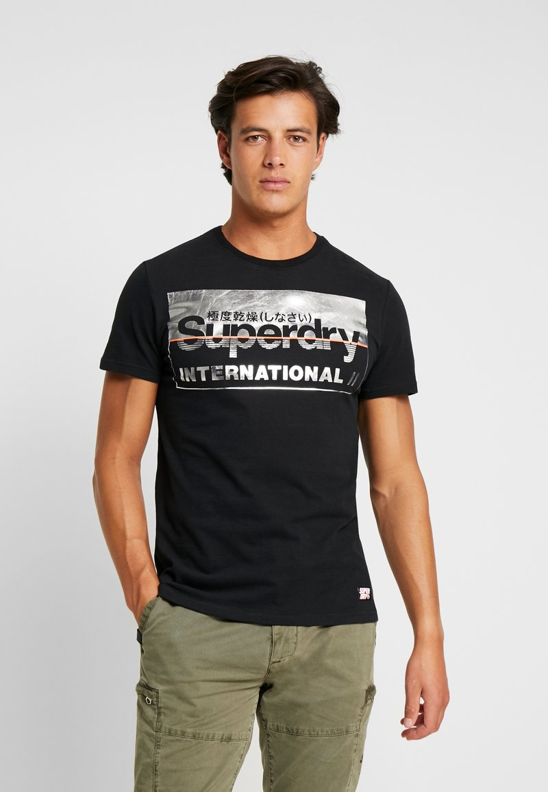 Superdry - RETRO SPORT TEE - Print T-shirt - black/silver