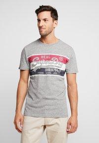 Superdry - VINTAGE LOGO RACER PANEL TEE - Print T-shirt - creek blue grit - 0