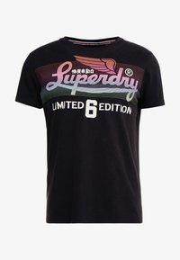 Superdry - ICARUS BLEND LITE TEE - Print T-shirt - black - 4
