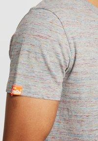 Superdry - VINTAGE EMBROIDERY TEE - T-shirt print - rainbow grey space dye - 3