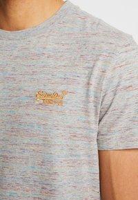 Superdry - VINTAGE EMBROIDERY TEE - T-shirt print - rainbow grey space dye - 5