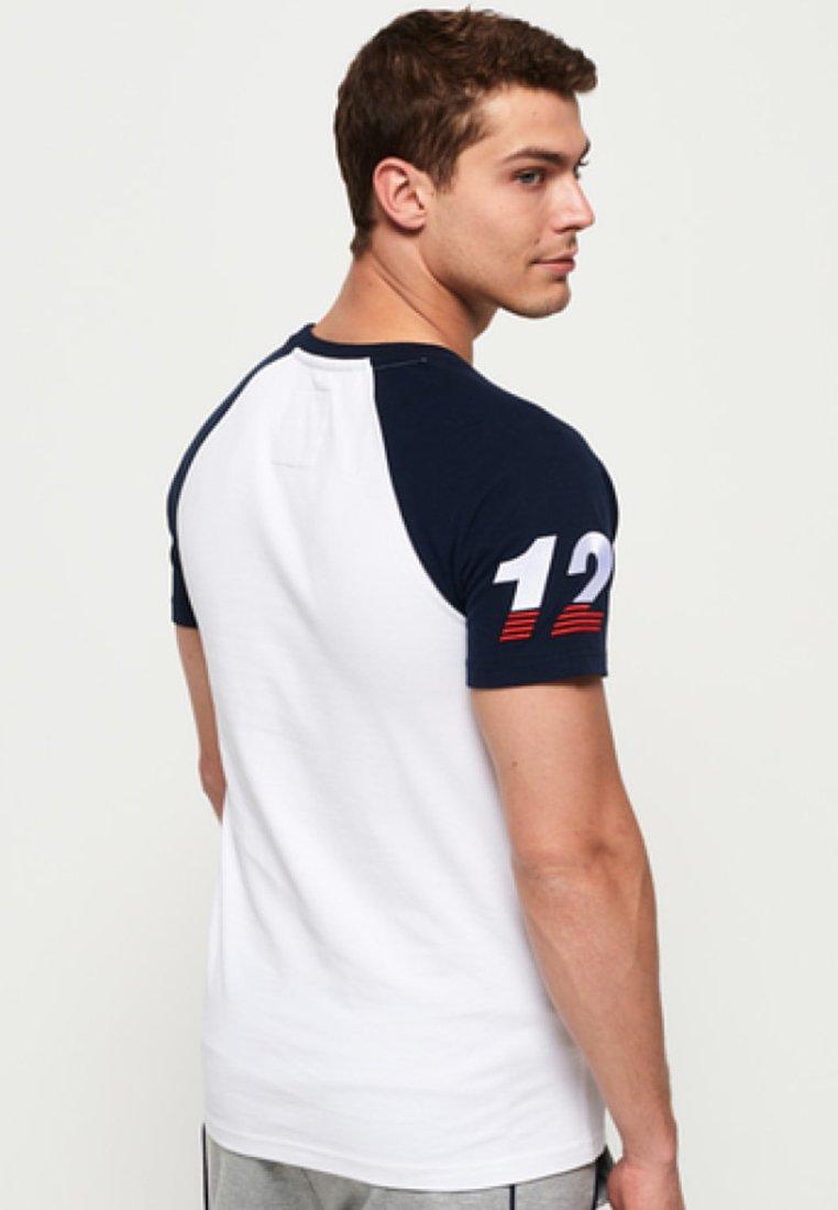 T T ImpriméWhite Superdry ImpriméWhite shirt Superdry Superdry shirt nkX0PNwO8Z
