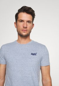 Superdry - LABEL VINTAGE TEE - Camiseta básica - flint blue grit - 3