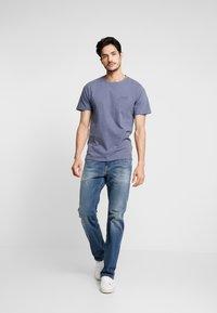 Superdry - ORANGE LABEL LITE TEE - T-shirt basic - dry slate blue - 1