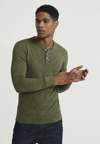 Superdry - LEGACY GRANDAD - Långärmad tröja - green - 0