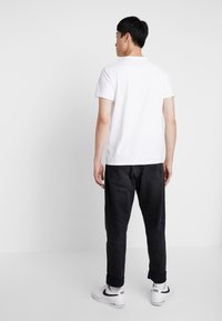 Superdry - CORE LOGO TAG TEE - T-shirt imprimé - optic - 2