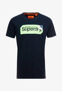 Superdry - CORE LOGO TAG TEE - T-shirt imprimé - eclipse navy - 3