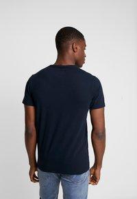 Superdry - CORE LOGO TAG TEE - T-shirt imprimé - eclipse navy - 2