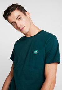 Superdry - COLLECTIVE TEE - Basic T-shirt - pine - 3