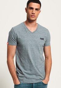 Superdry - T-shirt basic - creek blue grit grindle - 0