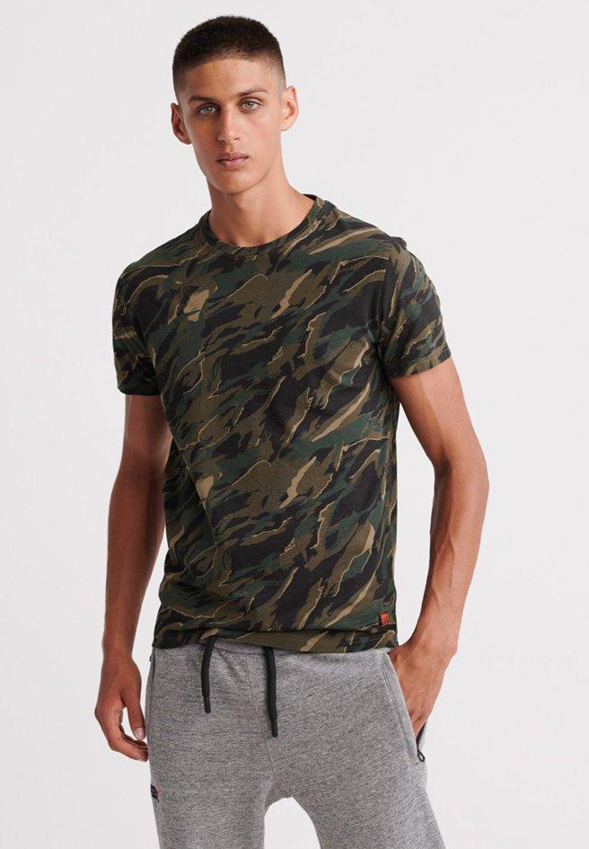 Superdry - ROOKIE  - T-Shirt print - green camo