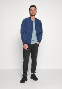 Superdry - VINTAGE CREW - T-shirt basic - sky blue - 1