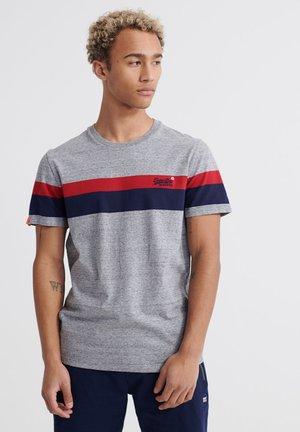 CLASSIC STRIPE TEE - Camiseta estampada - collective dark grey grit