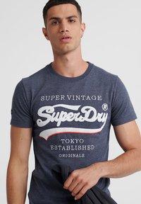 Superdry - SUPER VINTAGE - T-shirt print - eclipse navy - 3