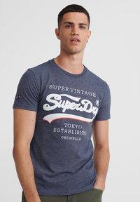 Superdry - SUPER VINTAGE - T-shirt print - eclipse navy - 0