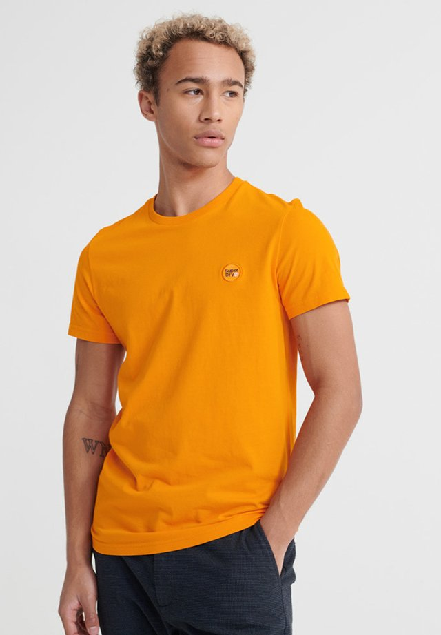 COLLECTIVE TEE - T-shirt basic - vivid marigold