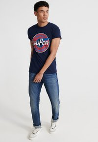 Superdry - MOTOR - T-Shirt print - rich navy - 1
