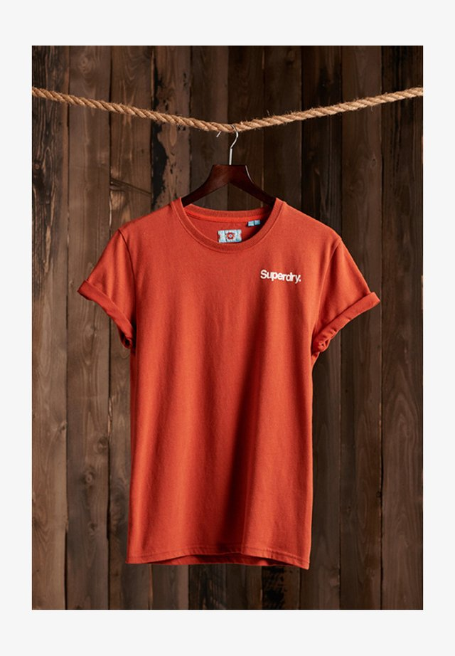 CLASSIC LOGO HIGH PEAKS - Print T-shirt - sierra orange marl