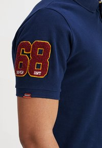 Superdry - CLASSIC SUPERSTATE  - Polo shirt - sport navy - 5